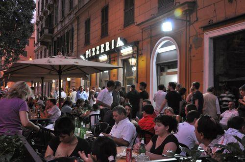 Tavolini Di Marmo Trastevere : Pizzeria ai marmi in trastevere hotel a roma